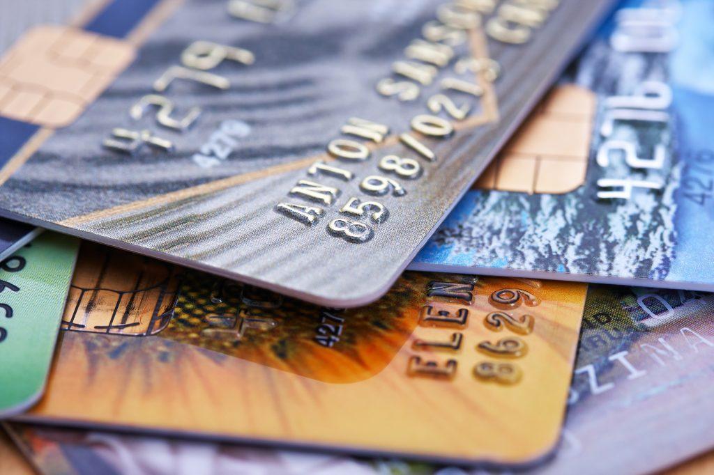 Имеет ли право судебный пристав снять деньги со счета кредитной карты приставы получили исполнительный лист
